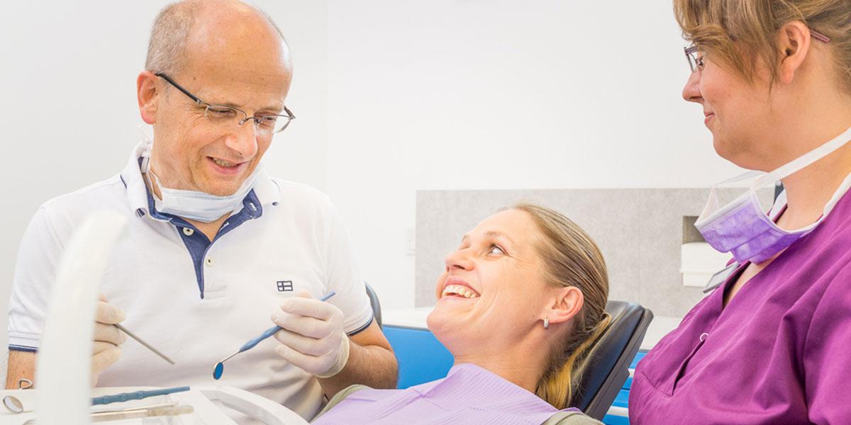 Behandlung in der Gemeinschaftspraxis Dr. Helge Loock und Kollegen.